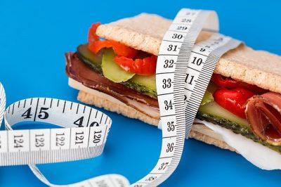 Sandwich mit Massband diet-617756_640